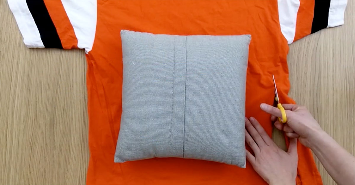 Make A Cute DIY Pillow Cover Without Sewing Unique How To Make Pillow Covers Without Sewing