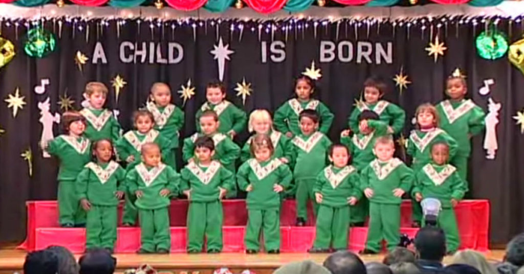 Audience Awaits Toddler's Music Recital And Lose It Once ...